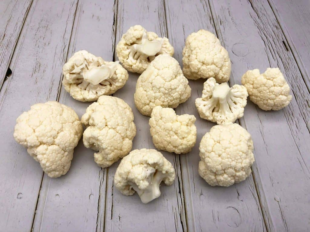 Raw cauliflower florets