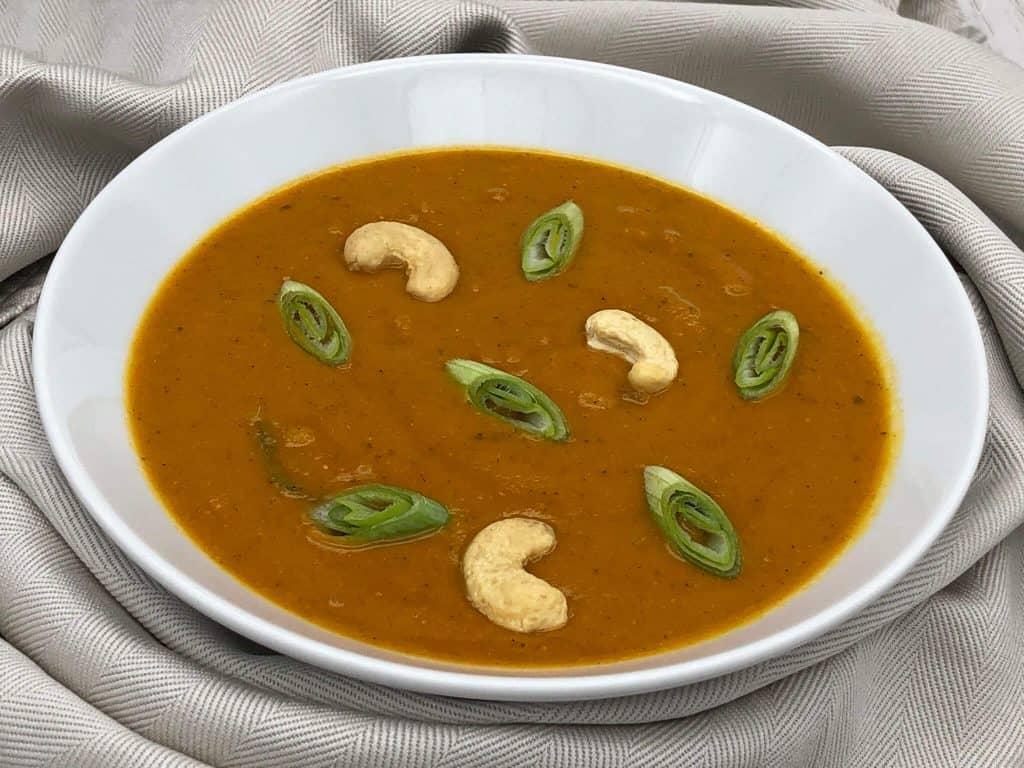 Homemade mulligatawny soup recipe ready to eat