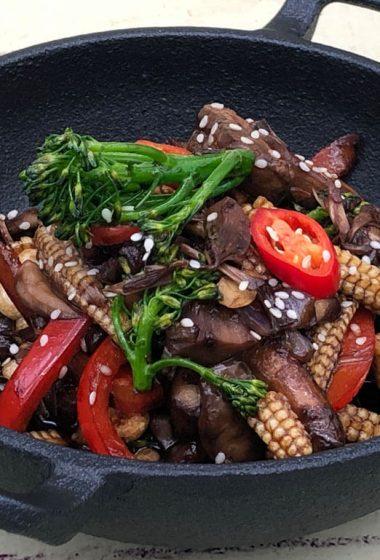 Mouth watering vegan stir fry ready to eat