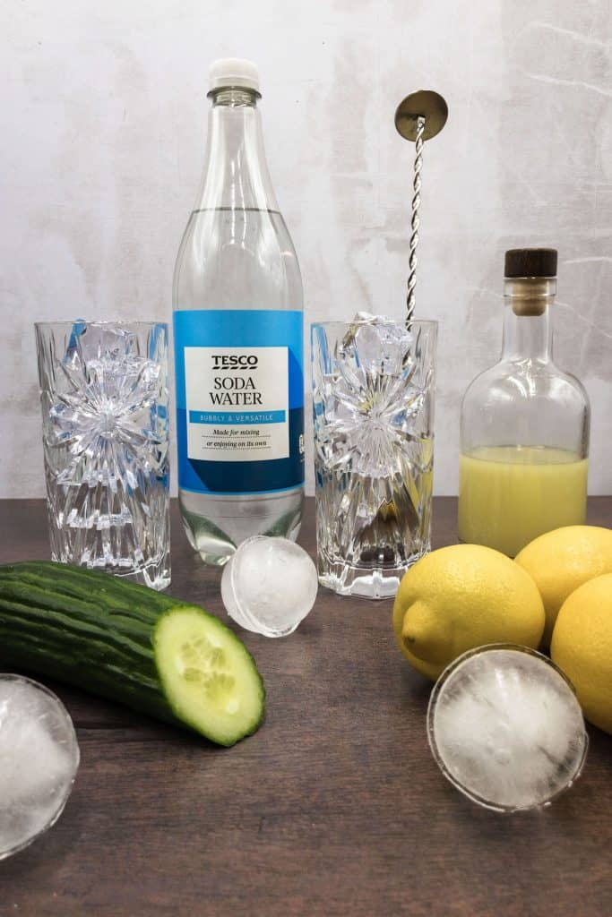 Non alcoholic ingredients for Tom Collins mocktail