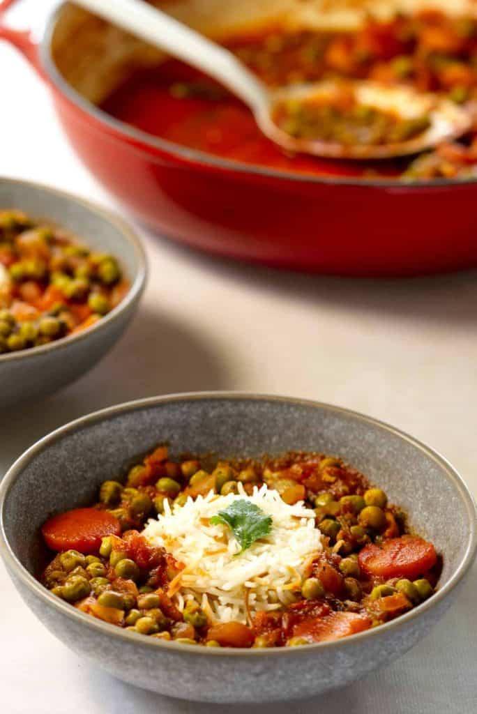 Tasty bazella Lebanese stewed peas in bowls.