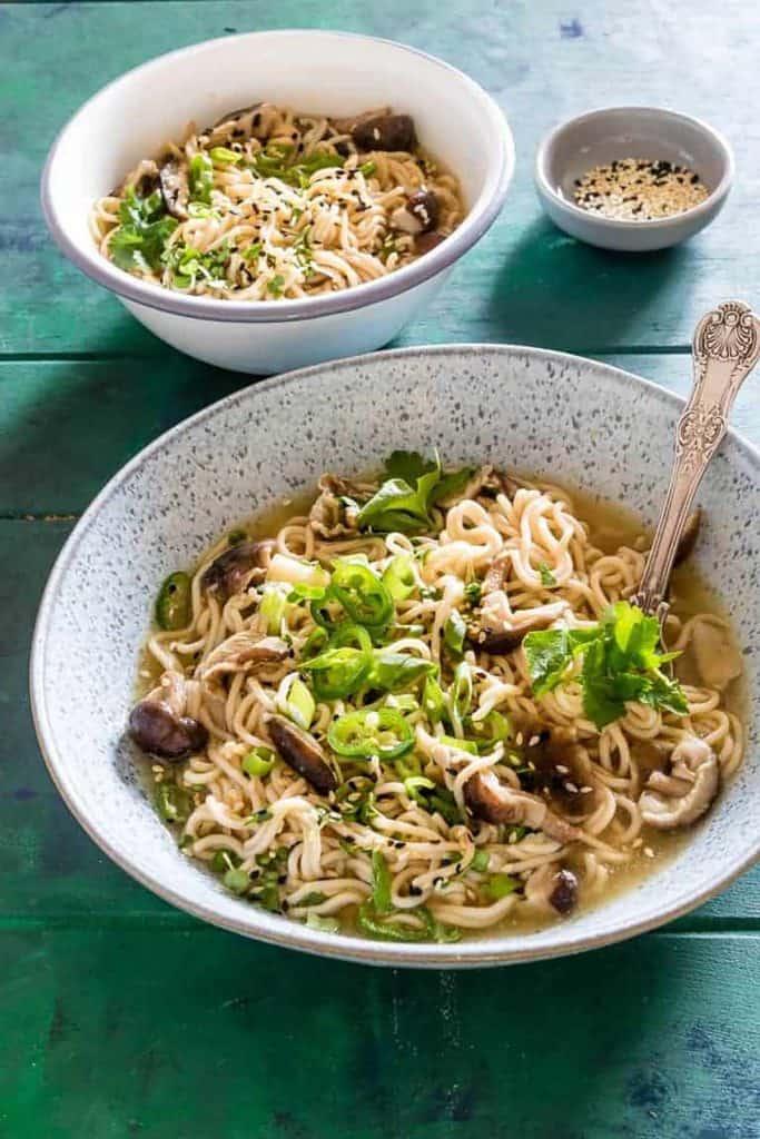 A bowl of instant pot ramen,